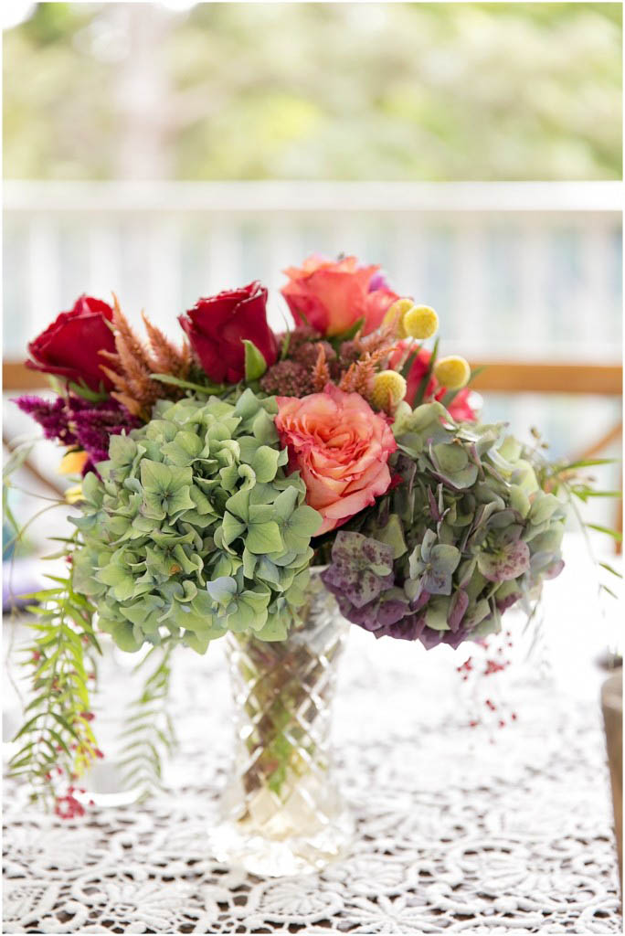 crystal table arrangement with hydrangea