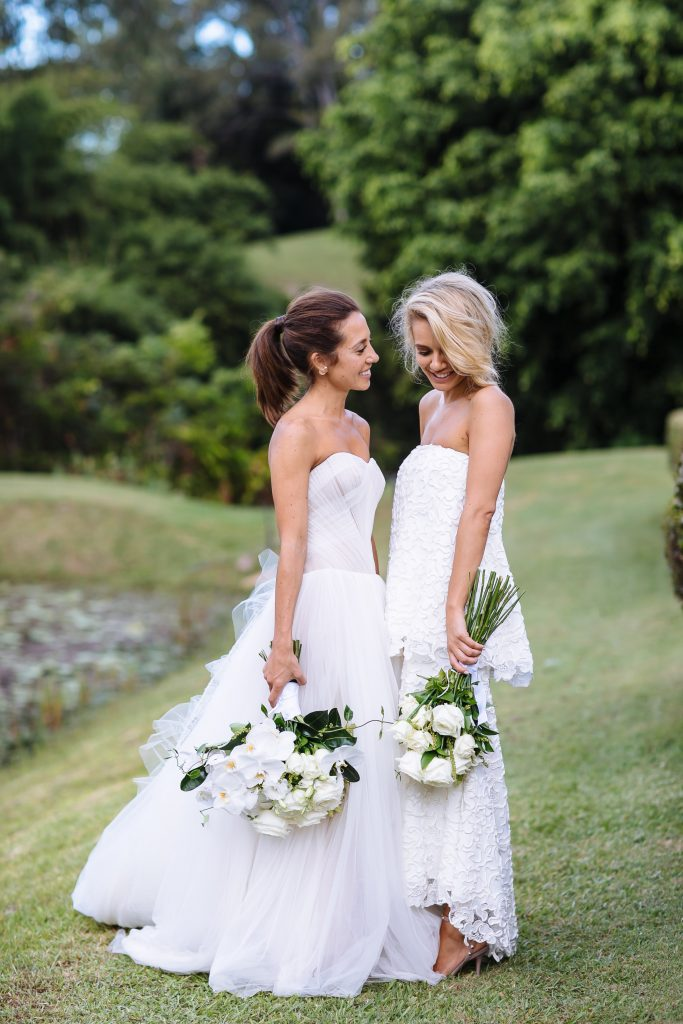 Modern white Noosa wedding