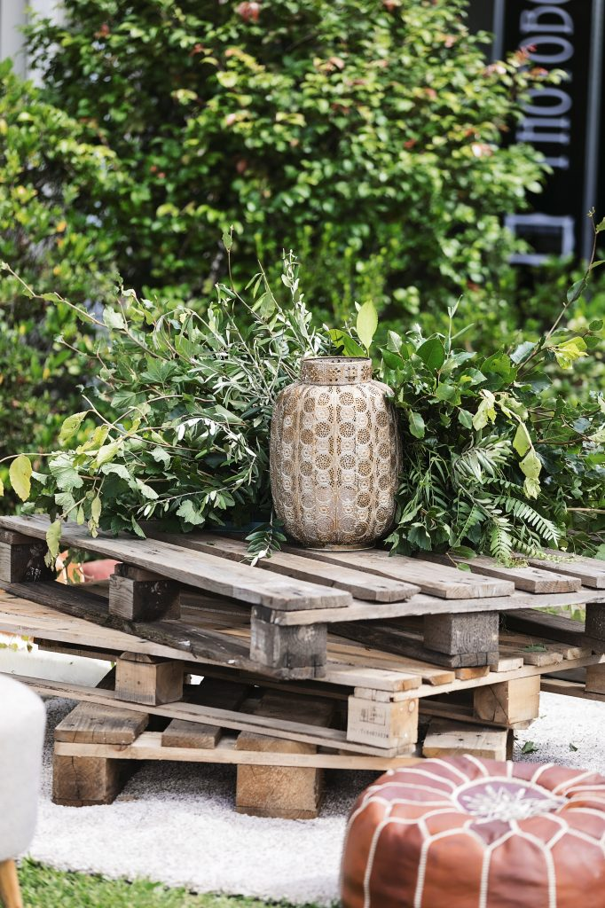 Greenery feature on pallet table