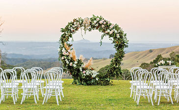 Mondo Floral Designs - Ceremony Flowers