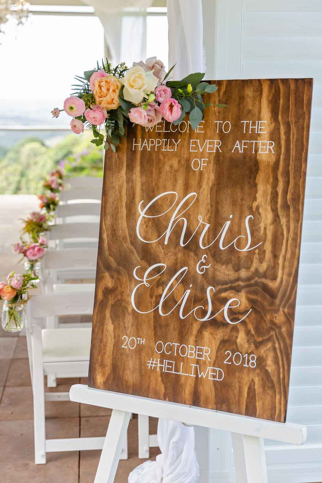 Entry sign floral in pastel tones