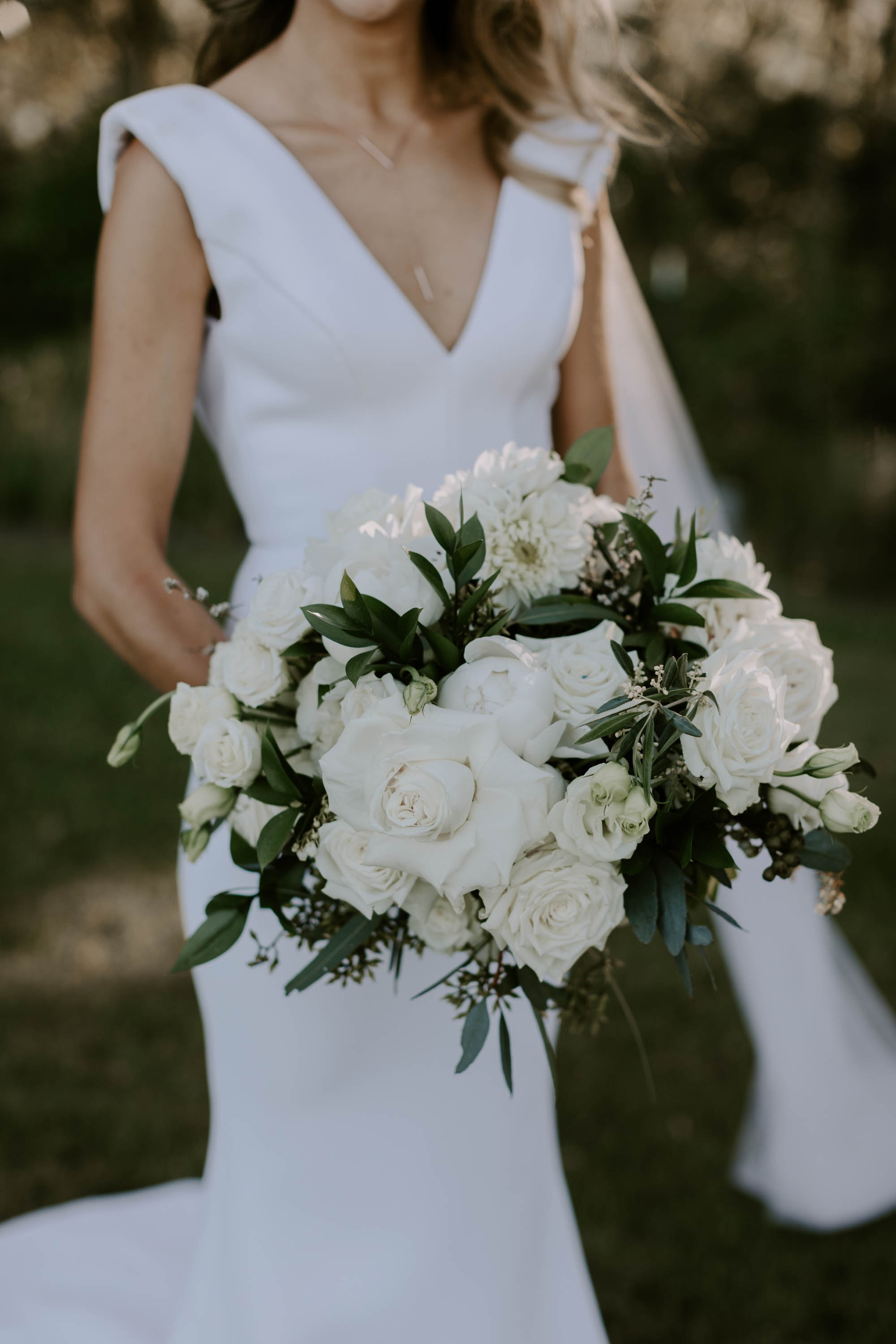 Modern white wedding bouquets