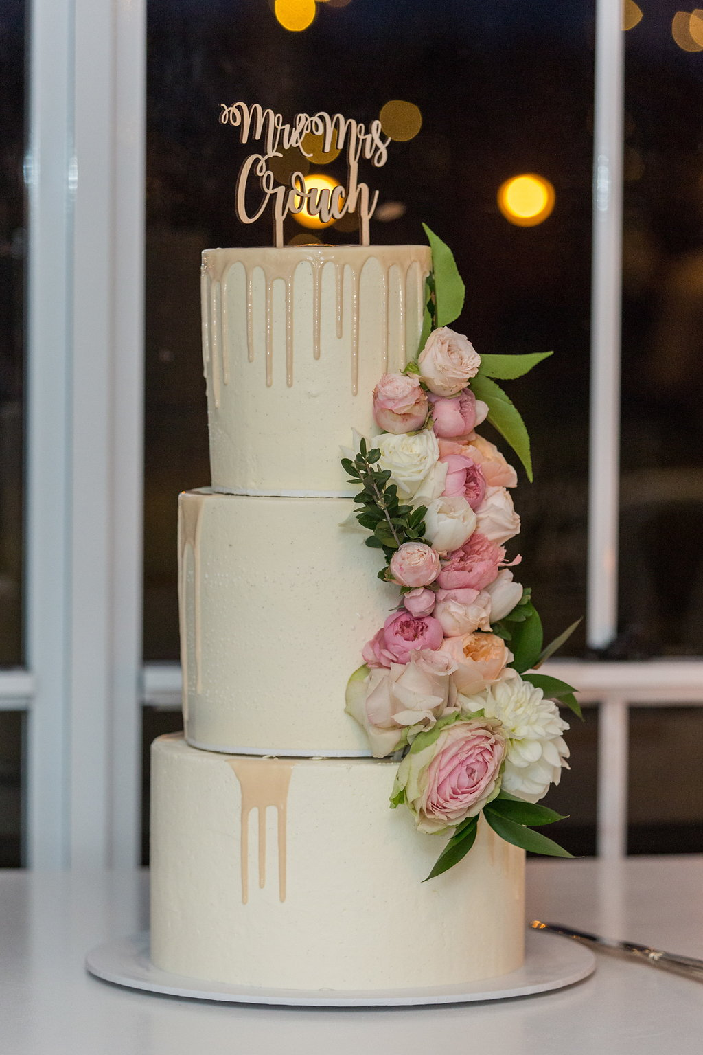 Cake flowers featuring pastel rose blooms