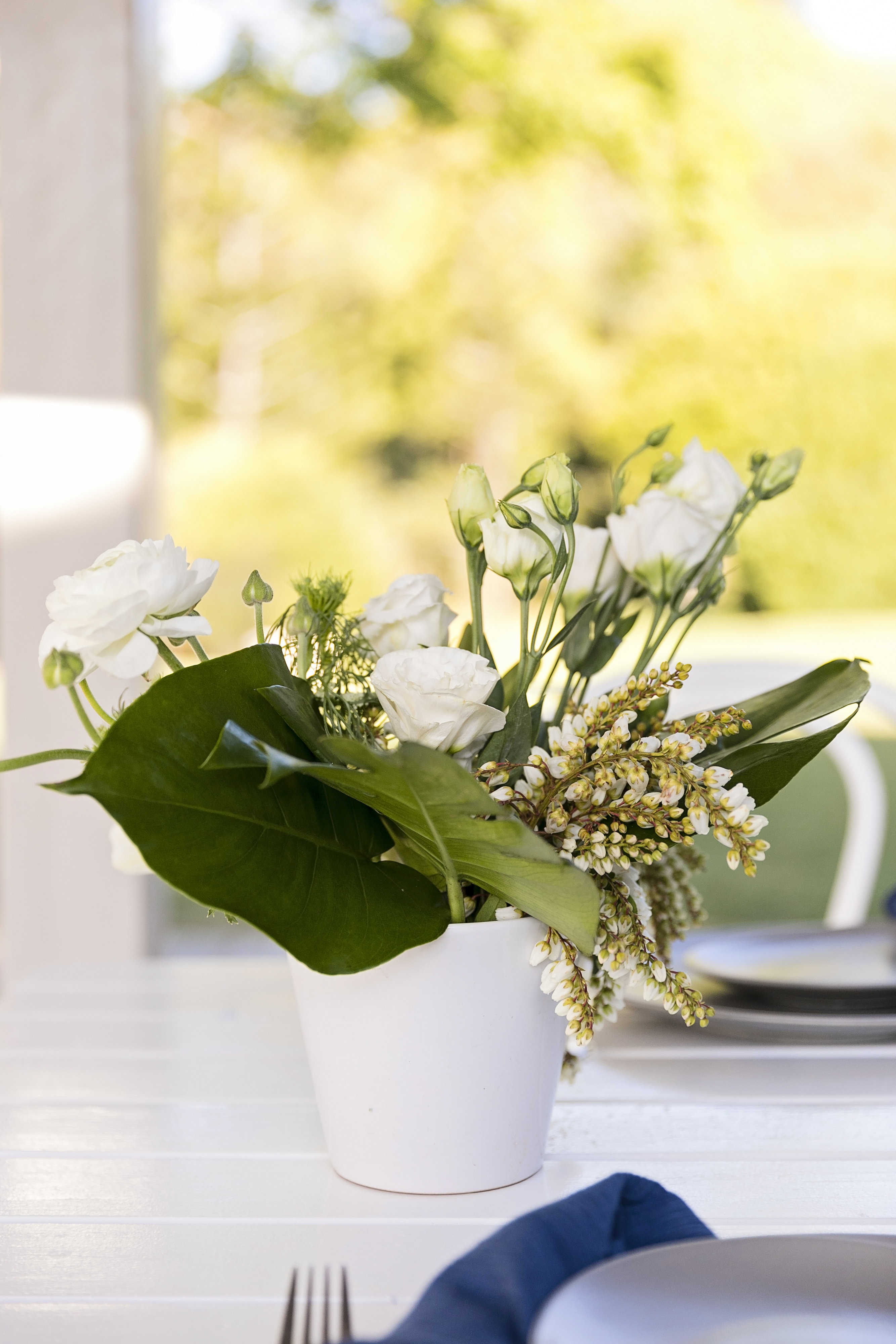 Modern white wedding flowers