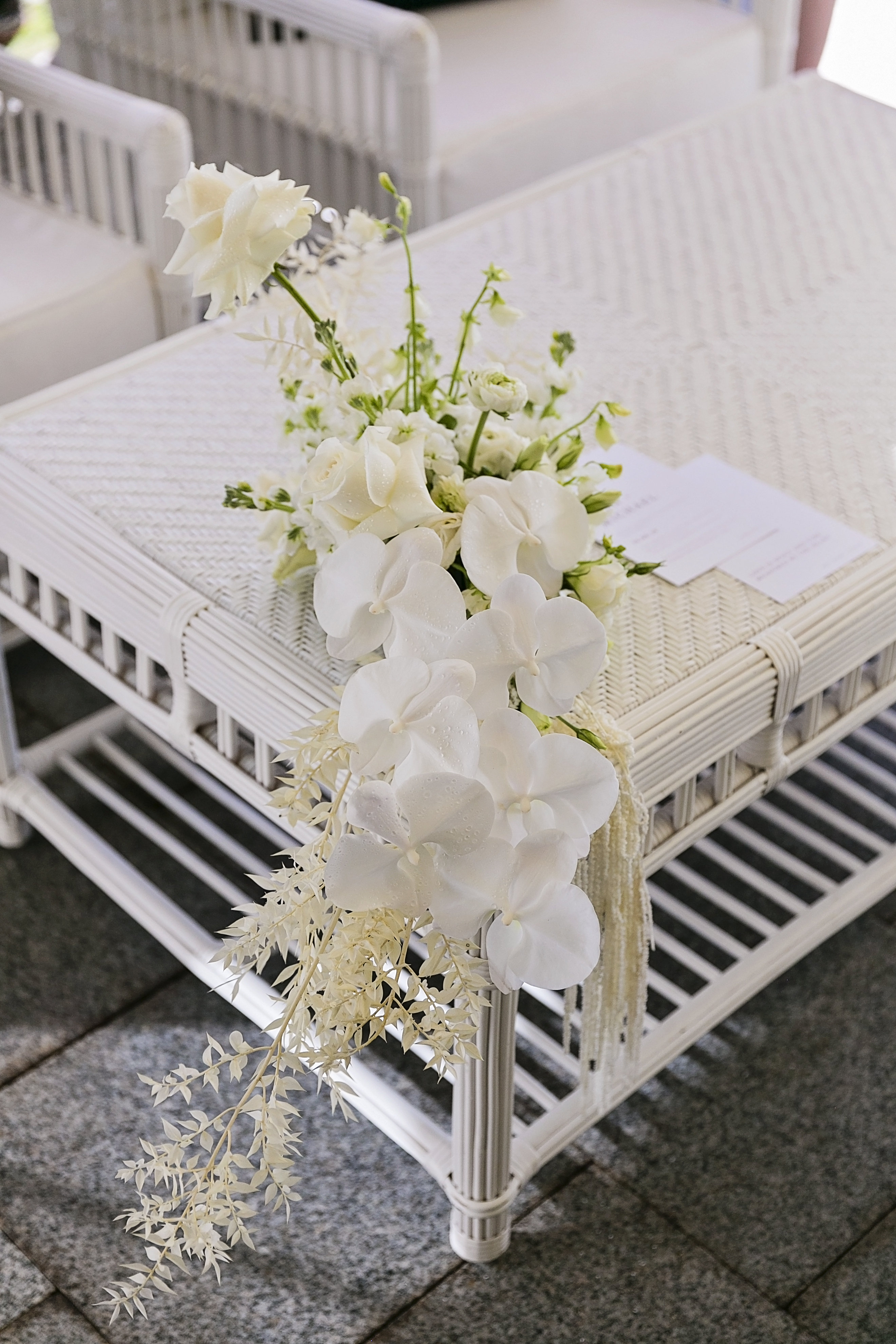 Costal style blooms in whites and ivories