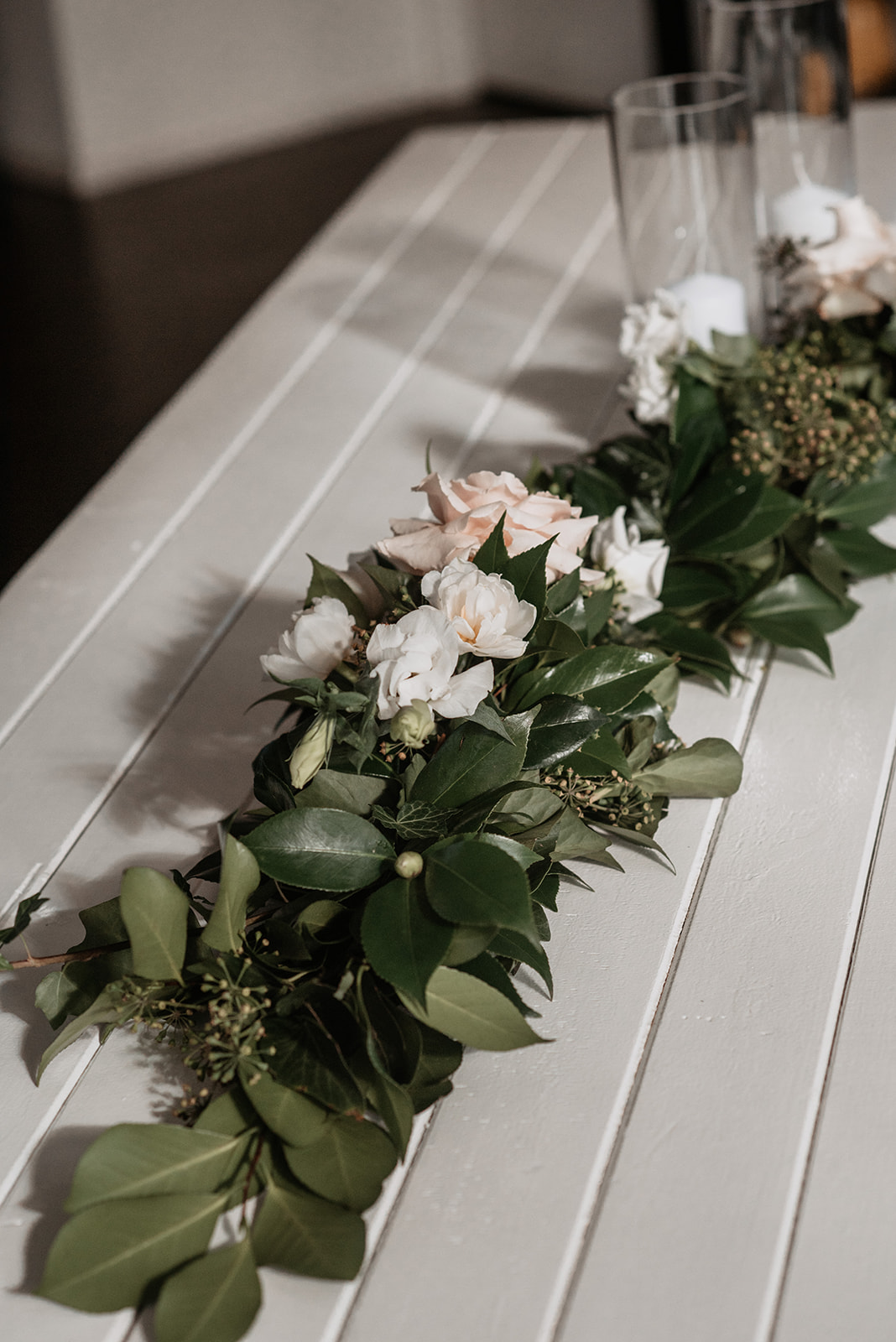Pampas Grass, Phaelanopsis Orchids, Quicksand Roses and Playa Blanco Roses