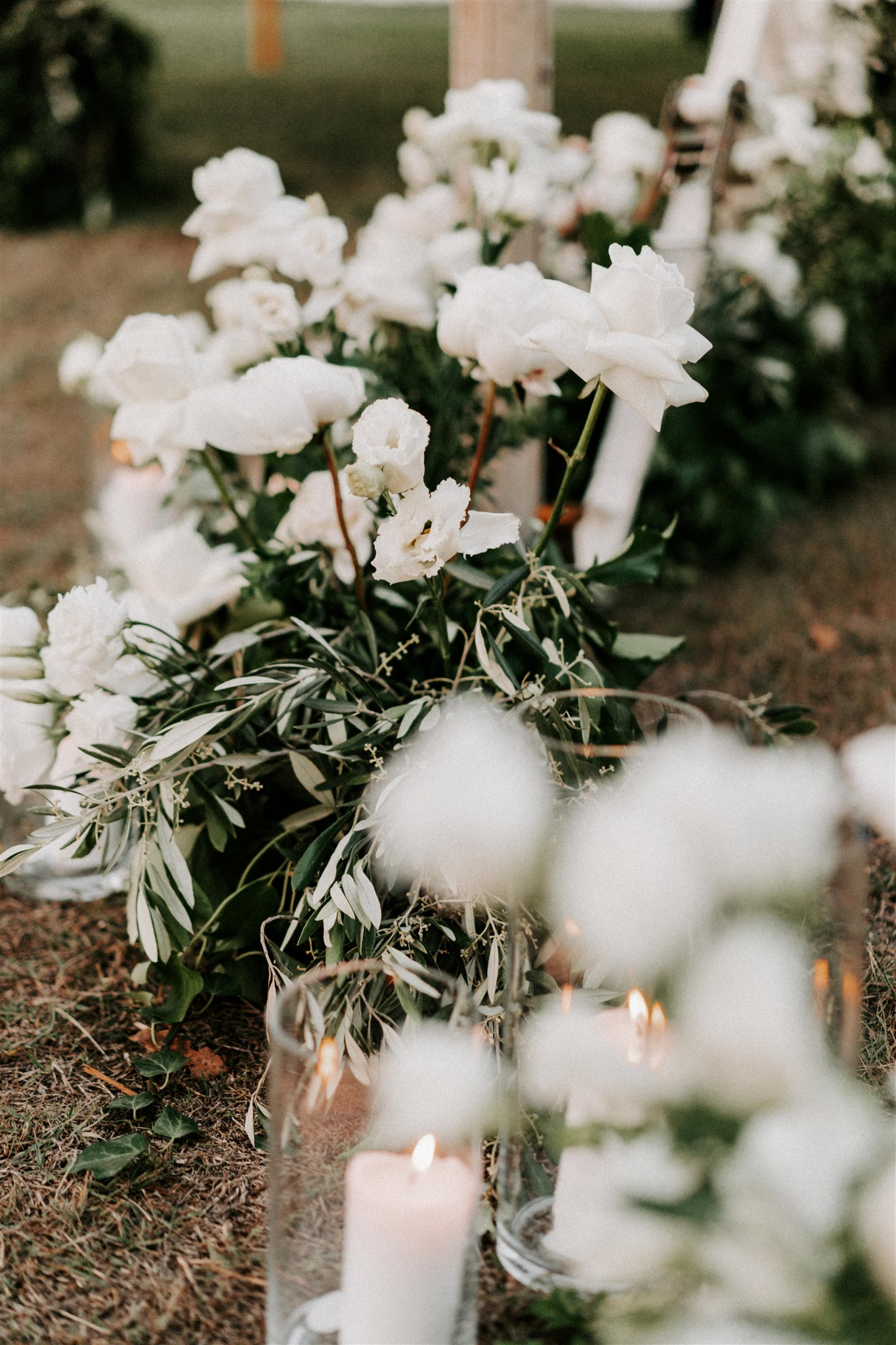 White and green hedging flowers