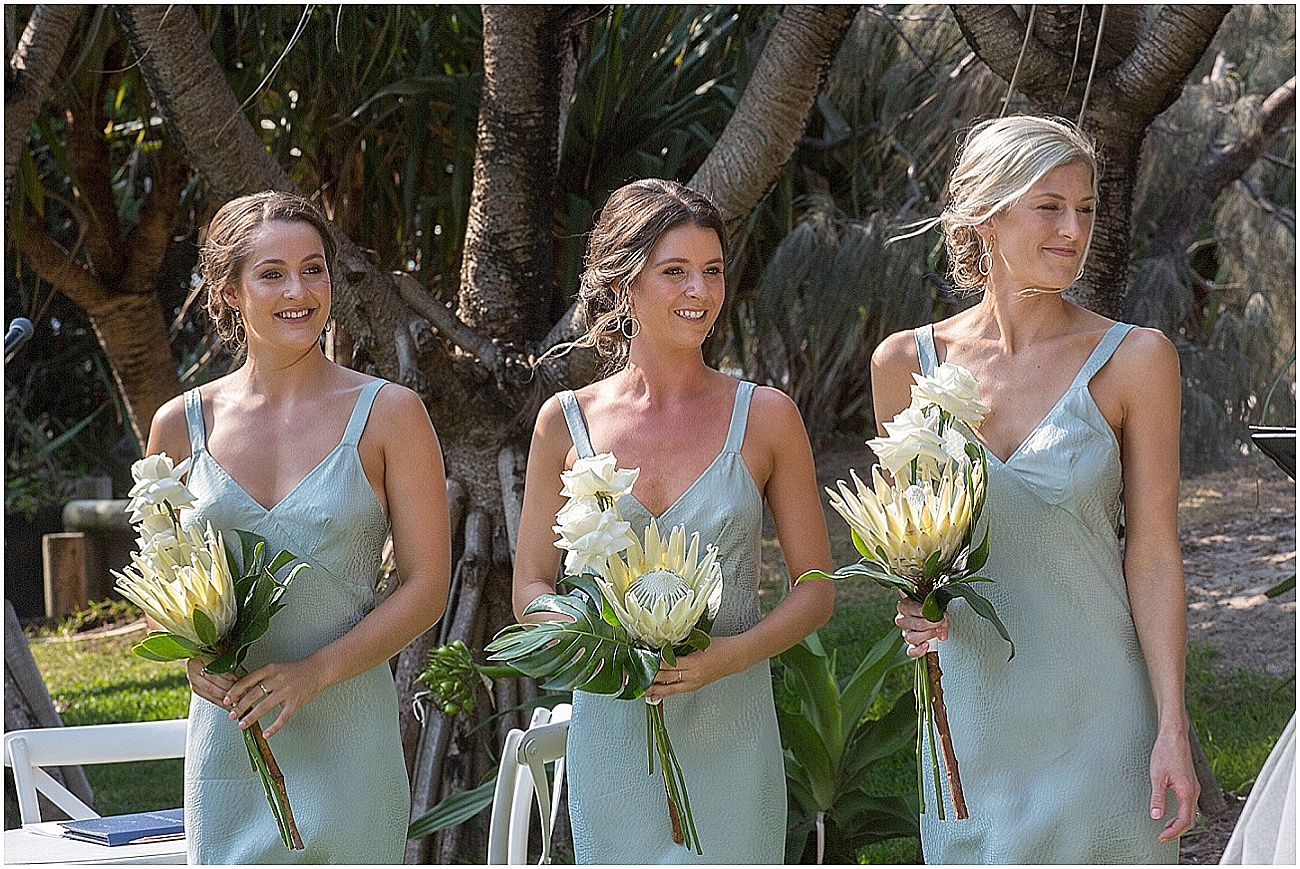 Tropical luxe wedding flowers