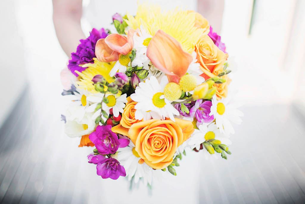 Pops Of Sunshine For This Cute And Colourful Wedding At Maleny Manor