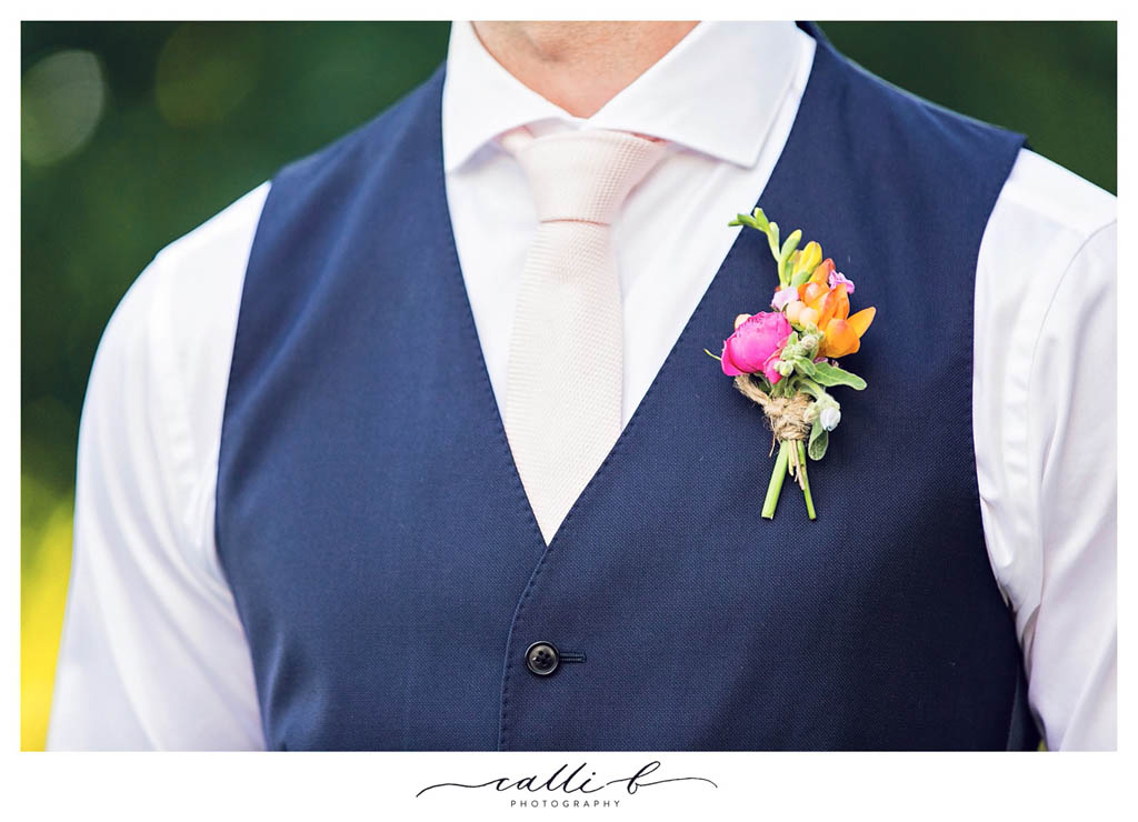Rustic country buttonhole design